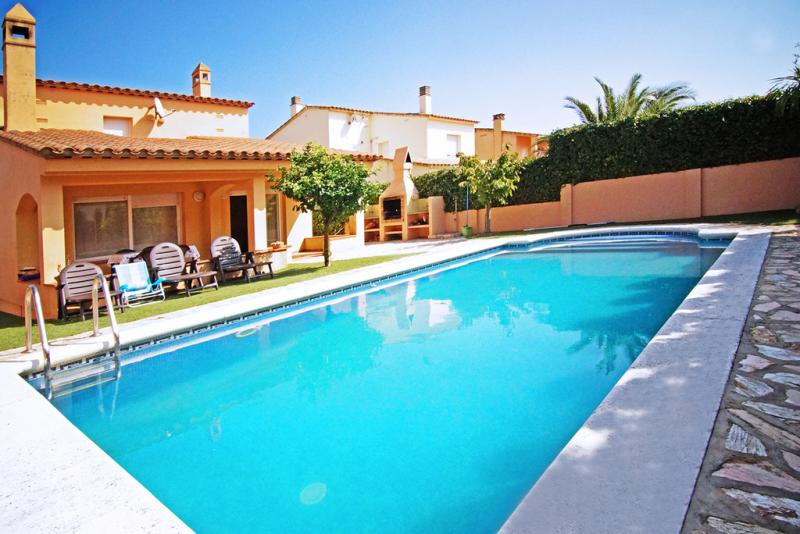 Villa frida l 39 escala sunseahouse alquiler vacacional - Casas alquiler costa brava ...