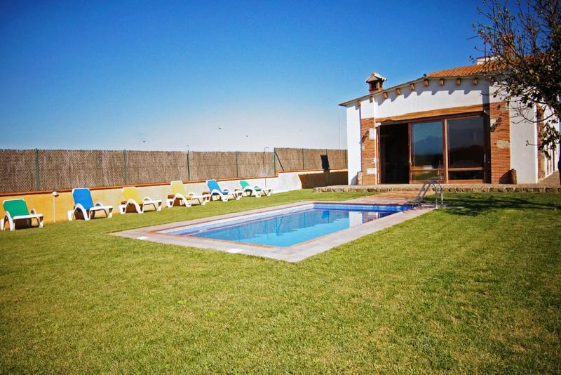 Villa roig vidreres sunseahouse alquiler vacacional de - Casas alquiler costa brava ...