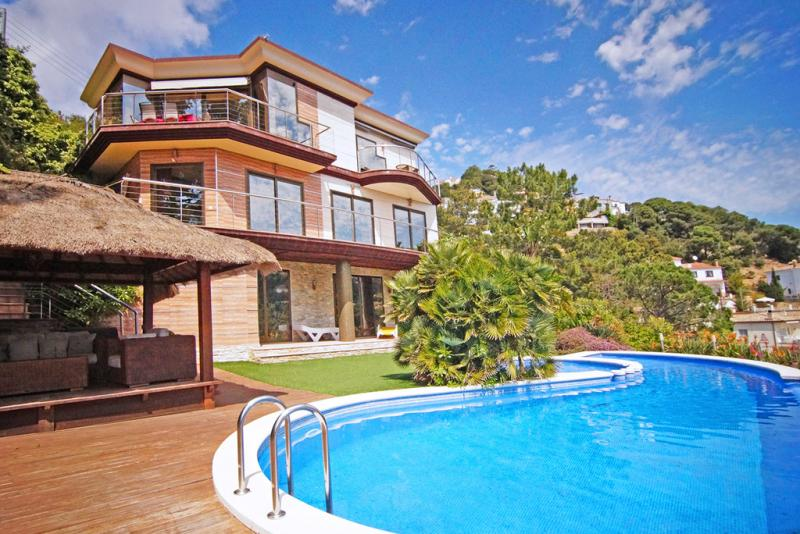Villa margarita lloret de mar sunseahouse alquiler - Casas alquiler costa brava ...